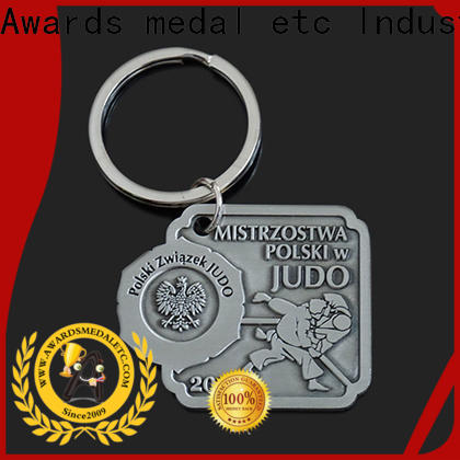 Awards Medal football custom metal keychains trade cooperation for gift