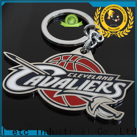 latest metal key chains football trade cooperation for gift