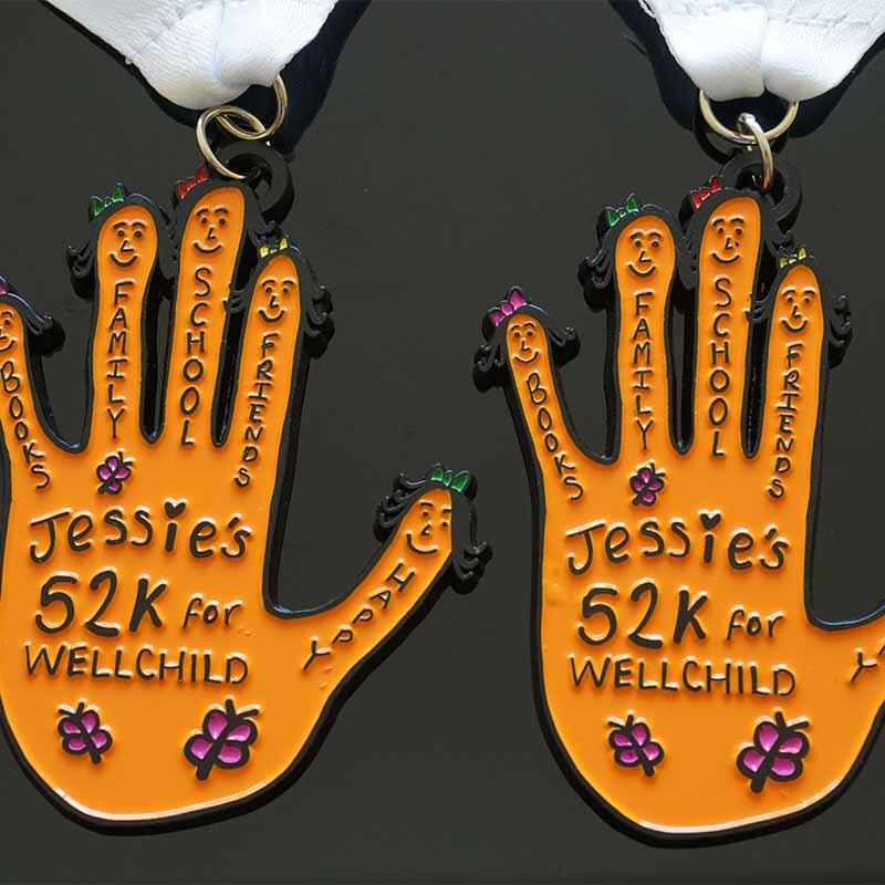 Die Casting Gifts Custom Palm Logo 52k Sports Metal Marathon Medals With Black Plating And Printing Ribbon