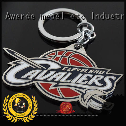 good quality custom logo metal keychains sports win-win cooperation for gift
