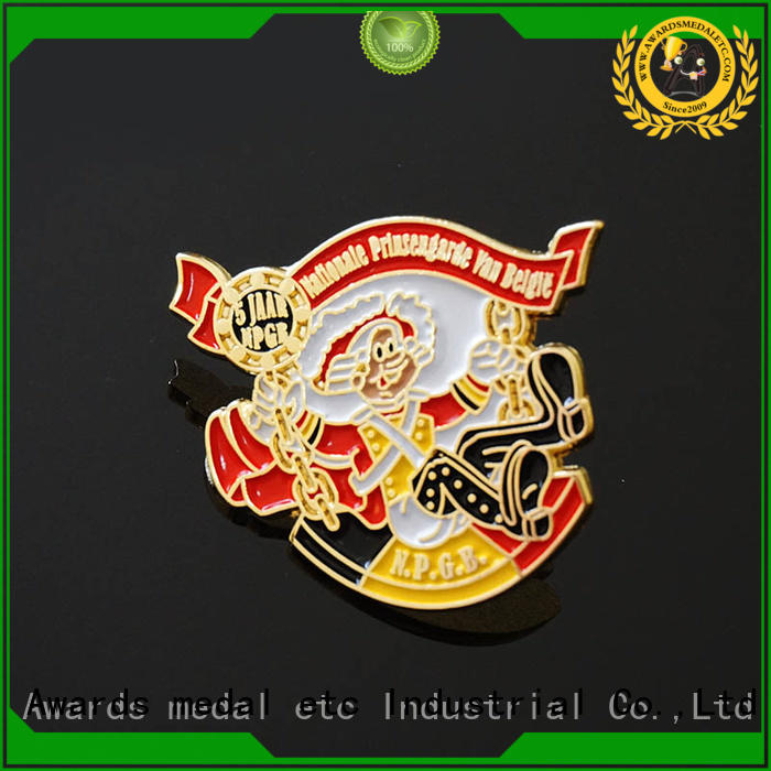 100% quality pin badges enamel looking for buyer for garment