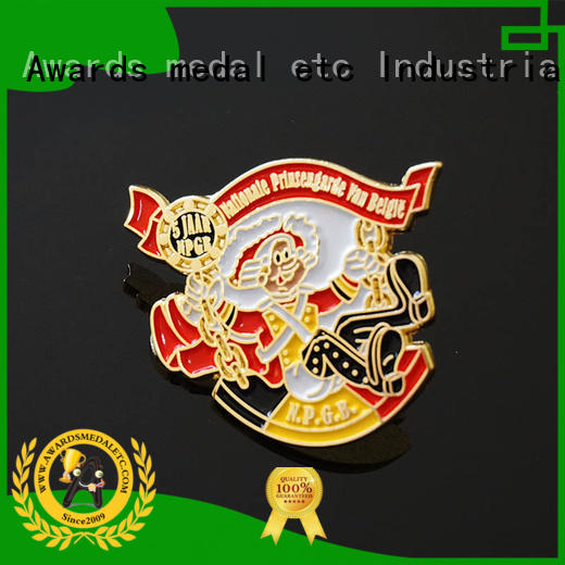 100% quality pin badges metal looking for buyer for garment