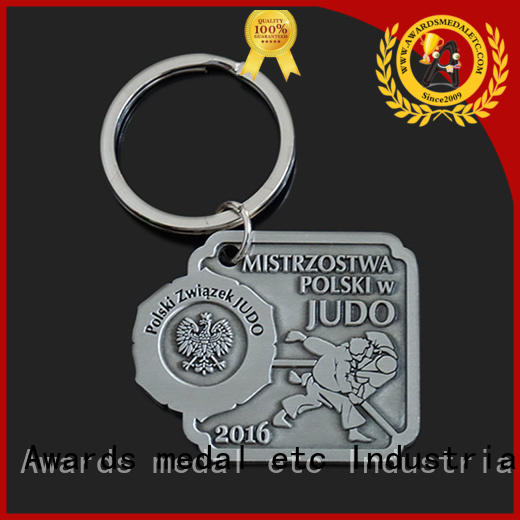 good quality metal keychain car win-win cooperation for promotion